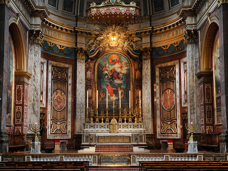High Altar at Brompton Oratory ©Charles Cole.