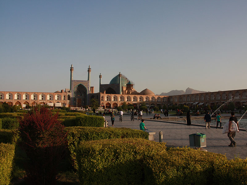 Why now is the time to go to Iran, by MRT lecturer Carolyn Perry